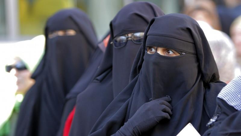 Niqab-Mideast-Egypt_Webf-101-800x450